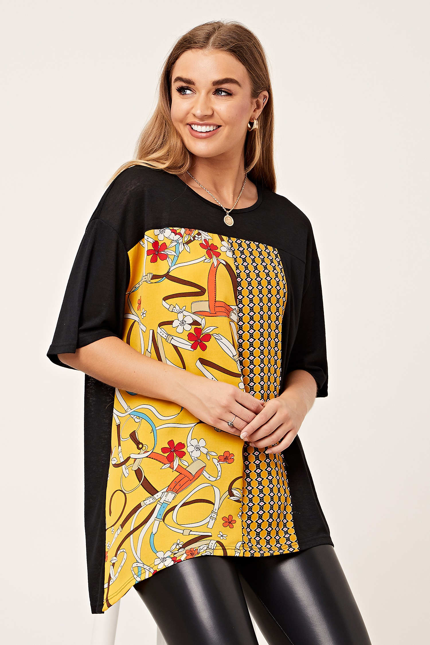 8be729e98ff Black and Yellow Chain Print Blouse T-Shirt