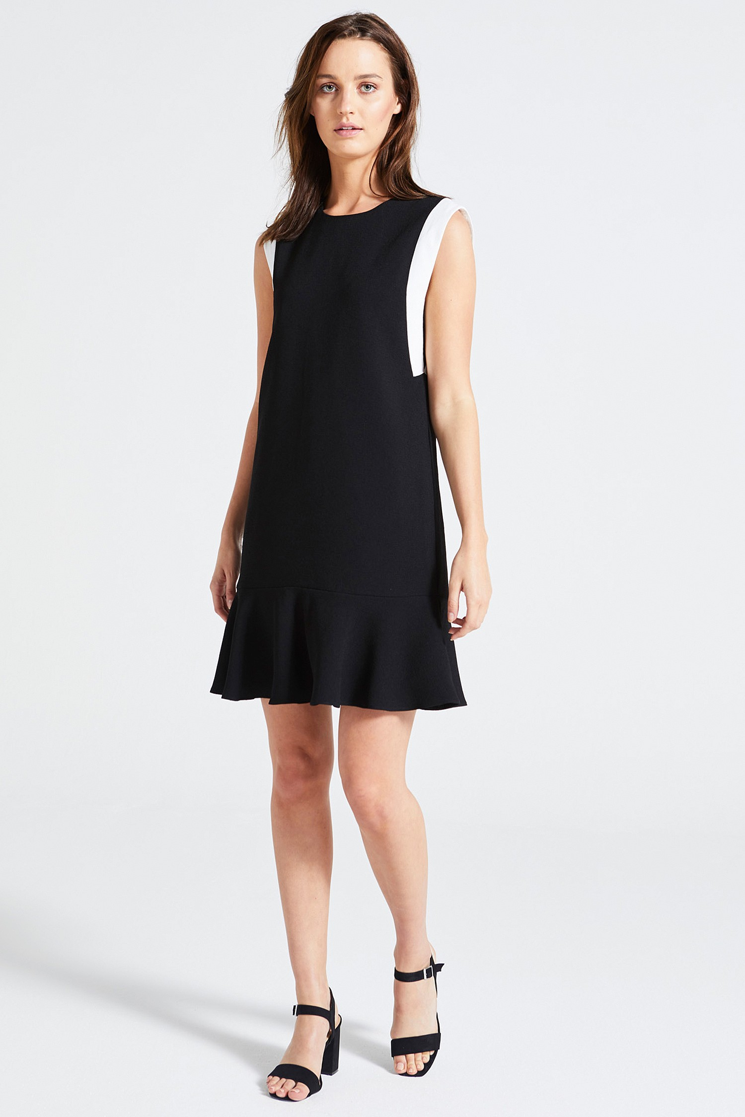6149c7dceea Black and White Flounced Boxy Dress