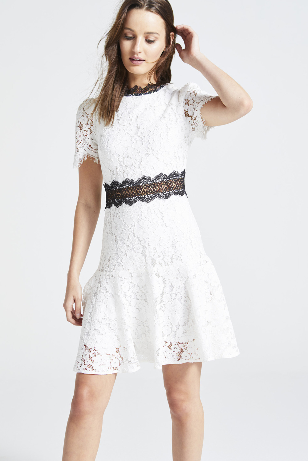b7f151bb5033 White Lace Dress With Black Details