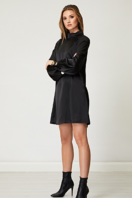 Volume Sleeve with Oversized Golden Button Black Shift Dress