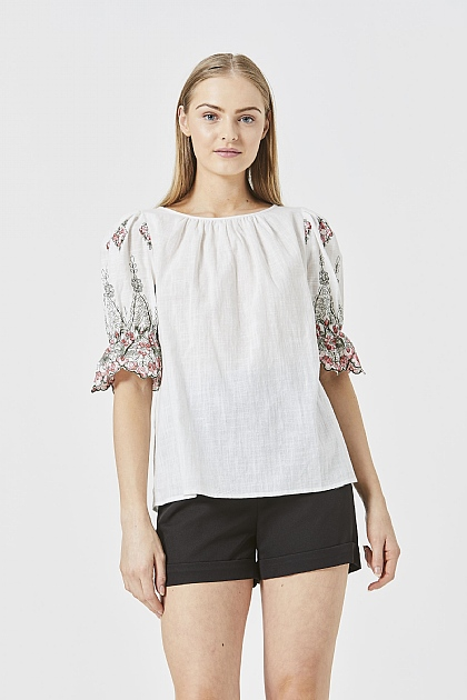 White Floral Puffy Sleeved Blouse