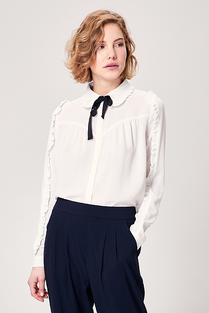 White Pussy Bow Long Sleeved Blouse