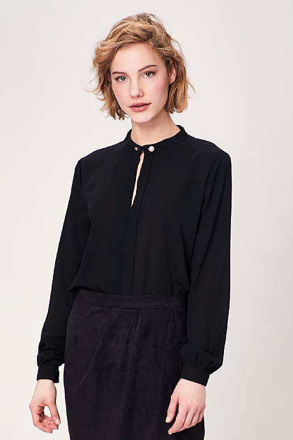 Black Key Hole Long Sleeve Blouse