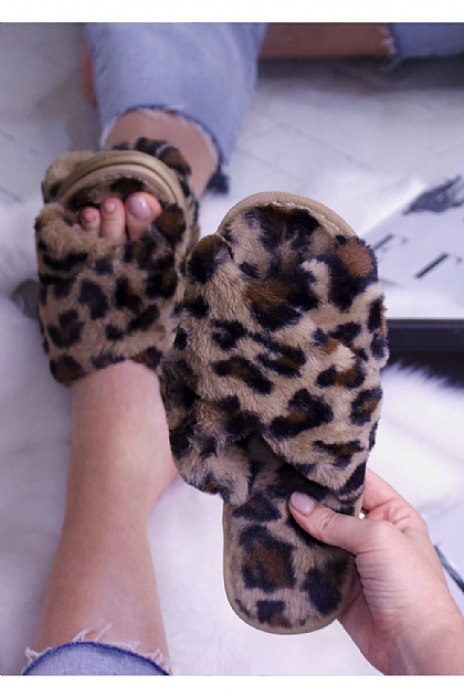 Fluffy Faux Fur Crossover Slippers in Brown Leopard