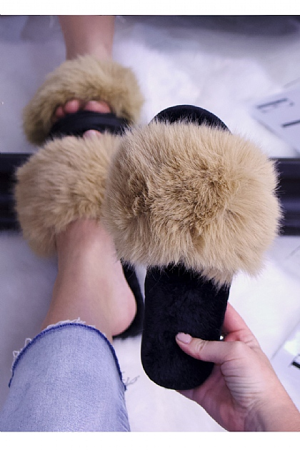 Fluffy Faux Fur Slippers in Beige