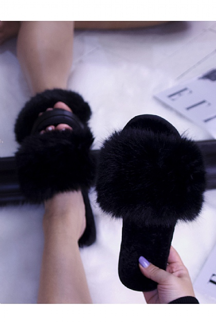 Fluffy Faux Fur Slippers in Black