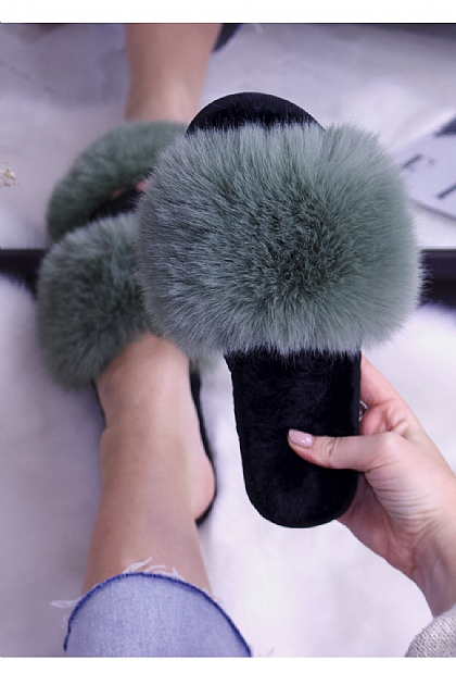 Fluffy Faux Fur Slippers in Green