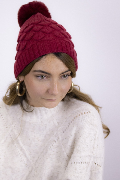 Maxi Knitted Pompom Beanie in Red